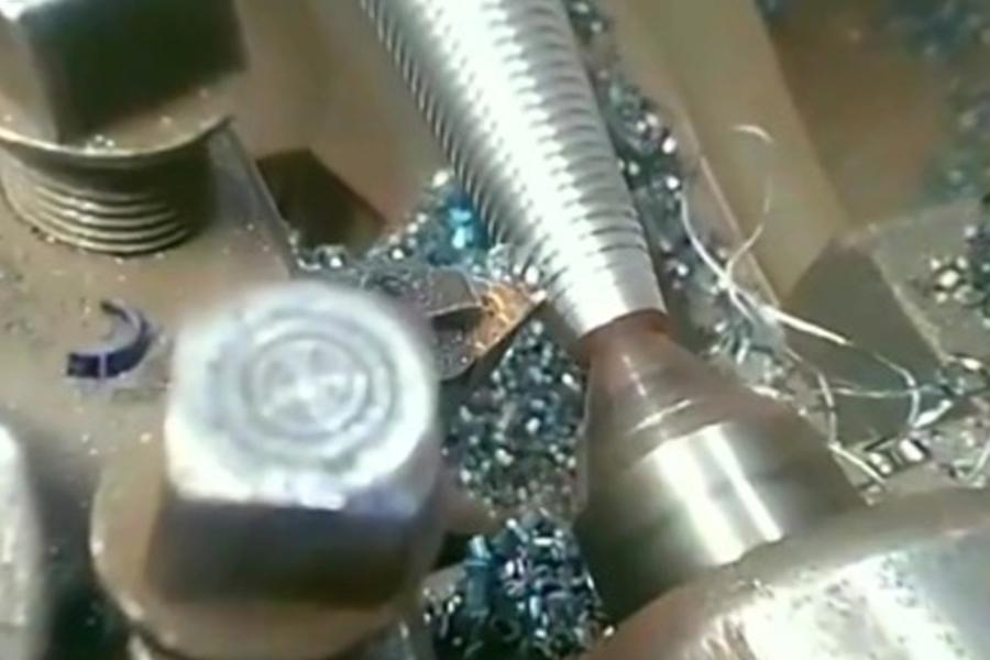 El proceso de corte de hilo por control numérico